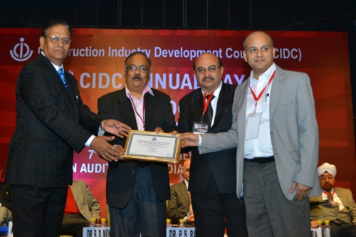 Mr. Madhukar B.A received Vishwakarma award for INSTRUCT in CIDC award function held at Delhi on 7th March 2014